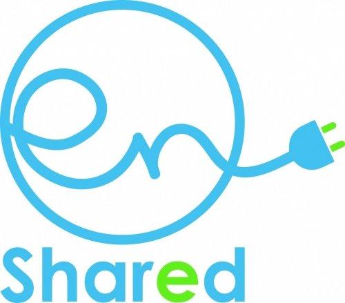 logo enshared blauw groen, kabel met stekker